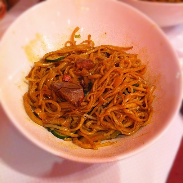 Sauteed Noodles With Vegetables @ Les Pates Vivantes Du 5EME