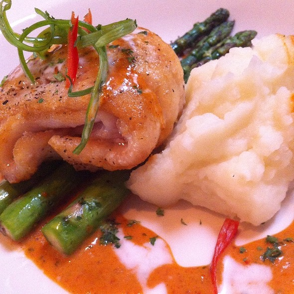 Sole With Asparagus And Mashed Potatoes @ Ninna