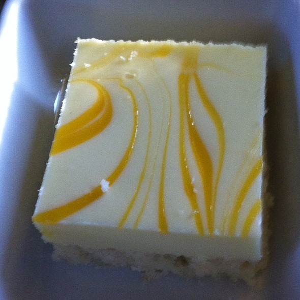 Mango Cheesecake @ Via Rail Montreal-Toronto