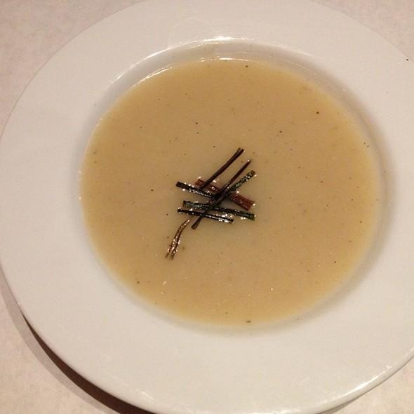 Vegan Potato And Leak Soup @ The Rusty Spoon