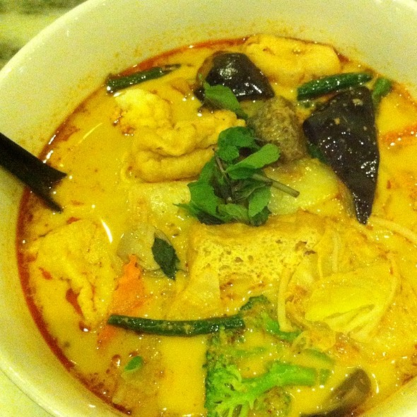 Little Singapore Vegetarian Laksa @ Little Singapore Restaurant