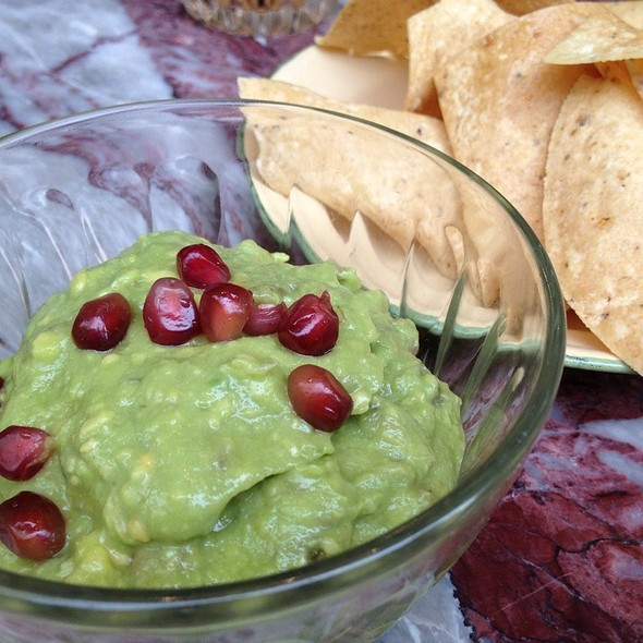 nachos with guacamole @ Heirloom Eatery & More
