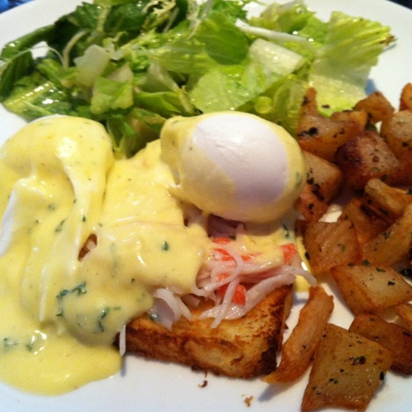 Eggs Benedict With Dungeness Crab