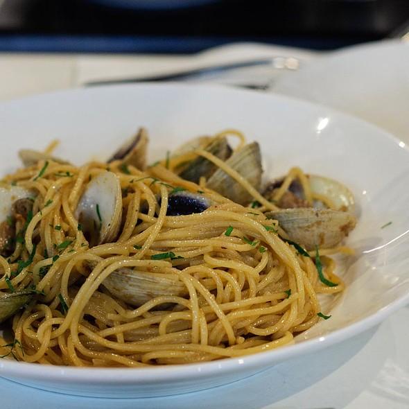 Spaghetti Alle Vongole @ Terrazza Cafe Restaurant & Pizzeria