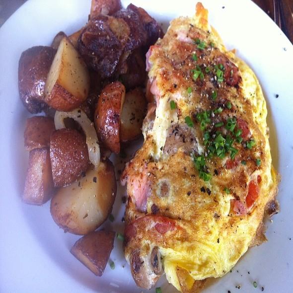 Omelette @ Brick Cafe