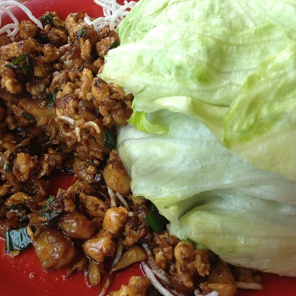 Chicken Lettuce Wraps @ Pei Wei Asian Diner