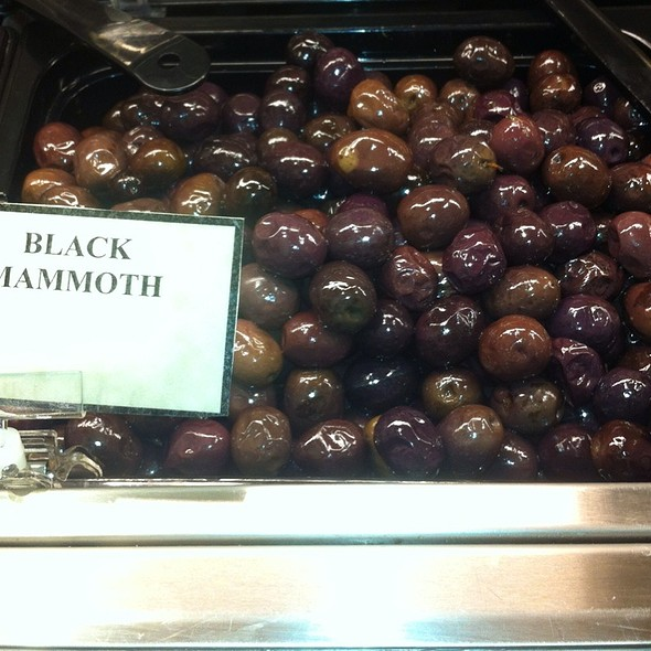 Black Mammoth Olives @ Giant Food