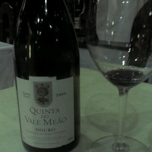 Bom Vinho A Acompanhar Um Bom Jantar @ Restaurante as Colunas