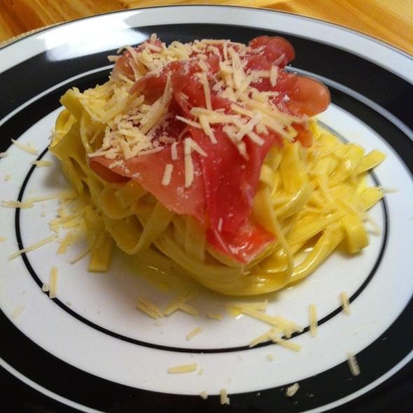 Pasta Carbonara @ Casa Da Lilica