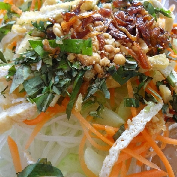 Green Papaya Salad @ Out The Door