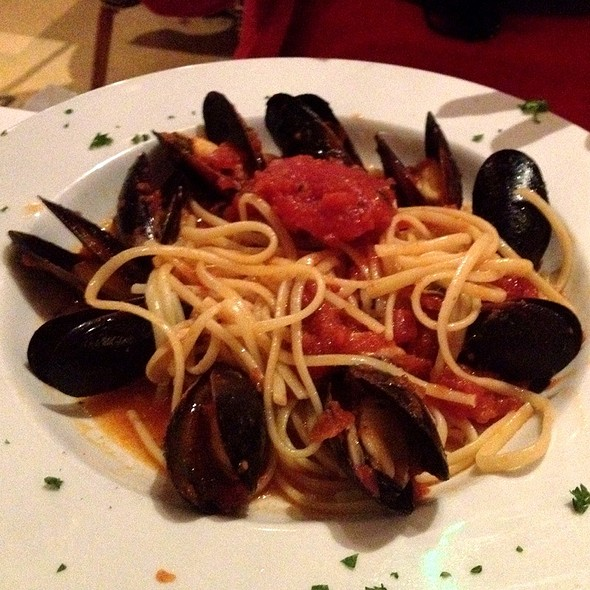 Mussels Marinara Pasta - Oyster Bay Seafood and Wine Bar, Las Vegas, NV