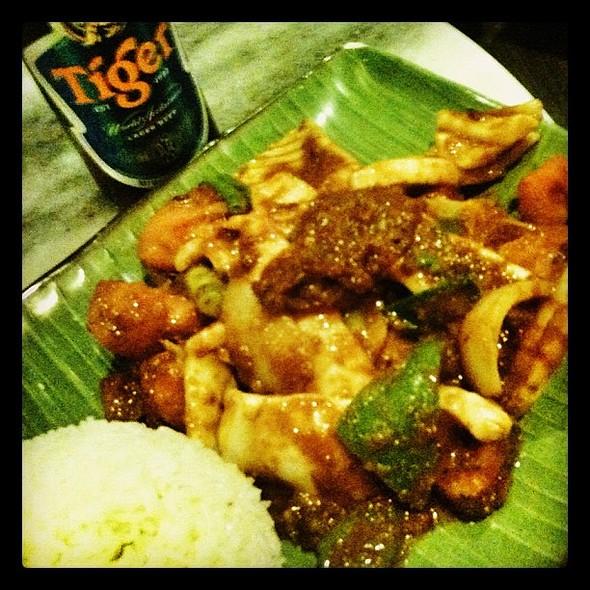 porn #singaporean #squid #sambal #igersbrisbane #igdaily #ignation #igoftheday #iphoneography #iphonesia #iphone3gs #iphoneonly #onlyiphone #instagood #instacool #instagroove #instagramhub #instacrazy #instamood @ Little Singapore