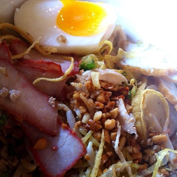 Tom yam Noodle with boiled egg