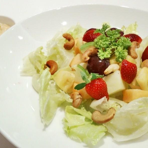 Yo Salad @ Heavenly Blush