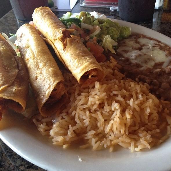 Flautas @ MI Tierra Caliente Restaurante Mexicano