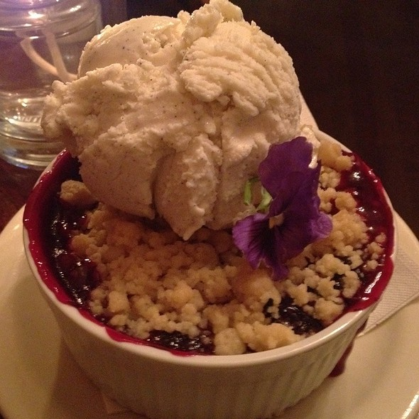 Warm Blueberry Crumble @ East Side Cafe