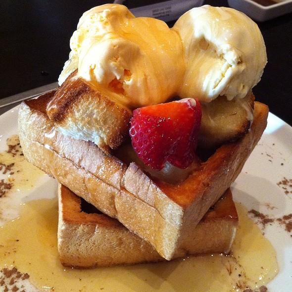 Honey Toast Mountain @ Juban Yakiniku House Japanese