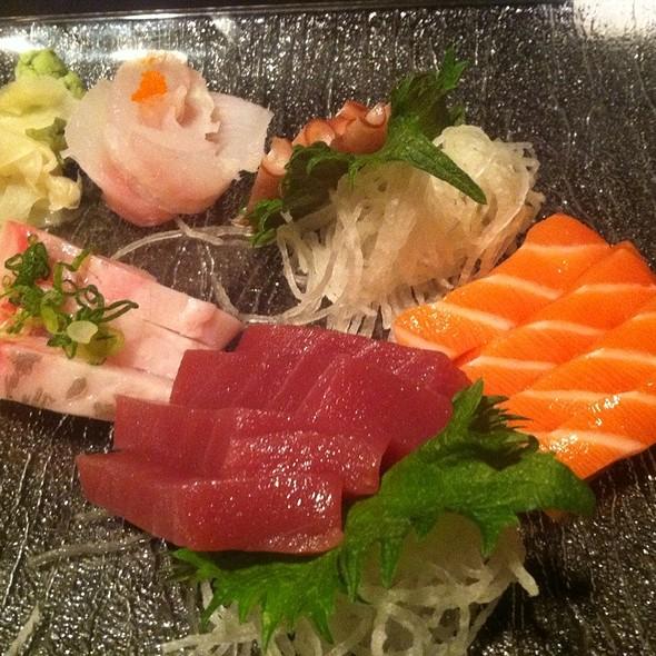 Sashimi @ Gekko Sushi and Lounge