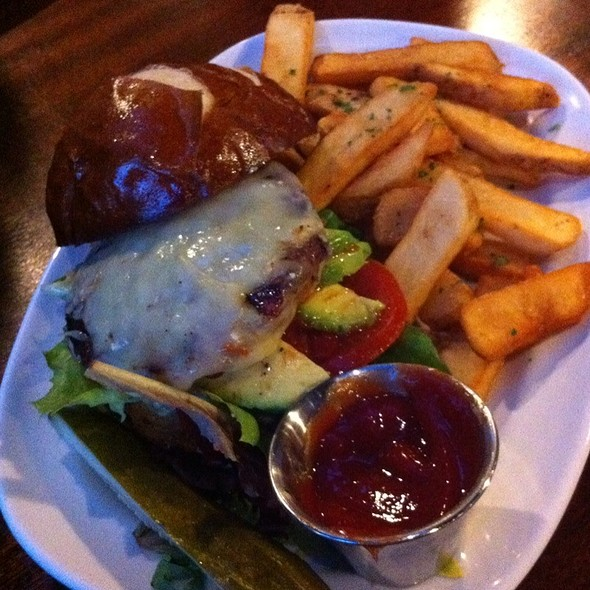 Burger - de Vere's Irish Pub - Davis, Davis, CA