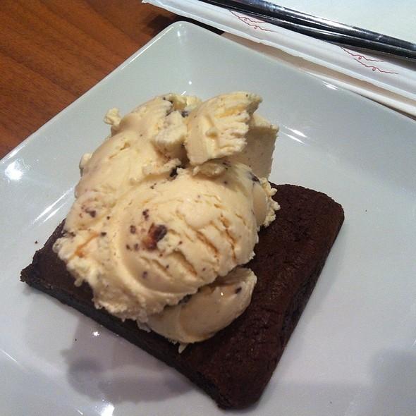 Brownie With Icecream @ Haagen Dasz,C.C Aqua,Valencia