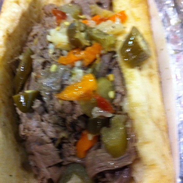 Italian Beef Sandwich @ Gold Coast Dogs At Midway