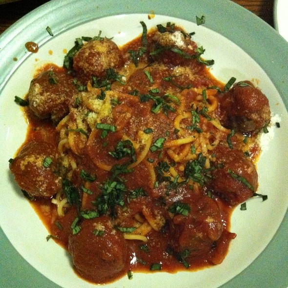 Spaghetti With Homemade Meatballs @ Steve's Grill