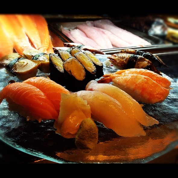 Nigiri Mixto @ Temple - Asian Lounge