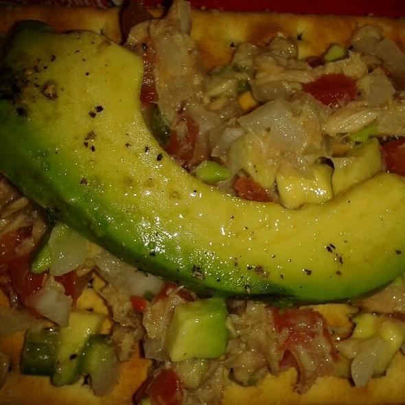 Atún Salad @ Mi Casa En Angostura