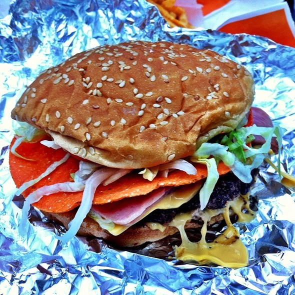 La Monumental Burger @ Burguesa Burger