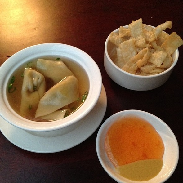 Wanton Soup With Fried Noodles @ Yum's Asian Bistro