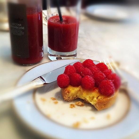 Passion Fruit Tartelett @ Ladurée Covent Garden