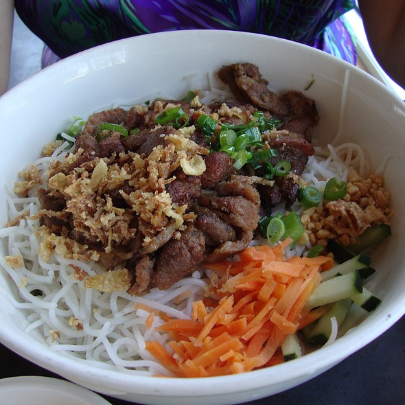 Vermicelli Bowl @ Les Givral's