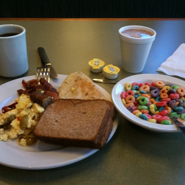 Breakfast @ Rosen Inn