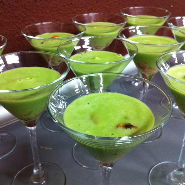 Cream Of Peas With Minced Seafood @ Sabores