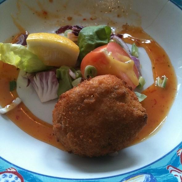 Crispy Fried Fish Cakes @ Blackberry Bar & Restaurant