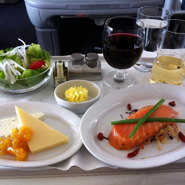 Fresh Scandanavian Salmon Sashimi With Coleslaw & Gojiberries - Accompanied With Cheeses And Salad @ Scandanavian (Sas) Airline