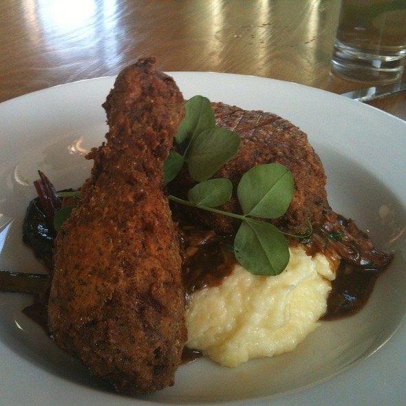 Black Tea Fried Chicken @ Beaker & Flask