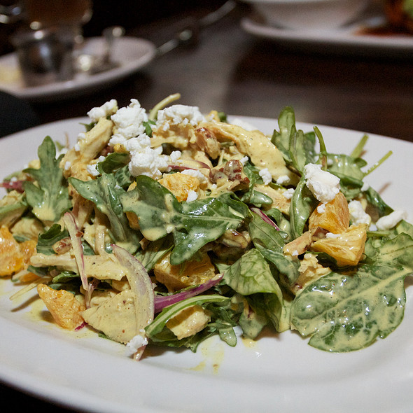 Pulled Chicken Salad @ de Vere's Irish Pub
