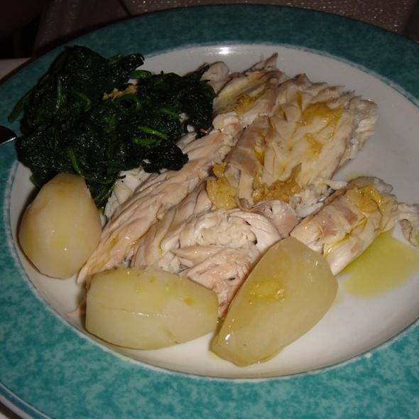 Peixe ao Sal com batatas e espinafre @ Meste Ze