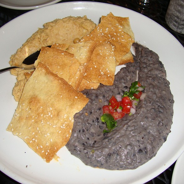 Hummus Duo - The Tasting Room - Uptown Park, Houston, TX