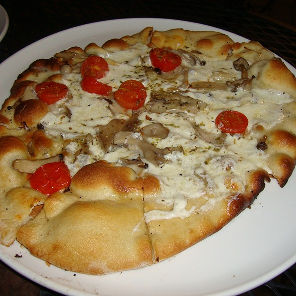 Mushroom Pizza @ Uptown Park - Tasting Room