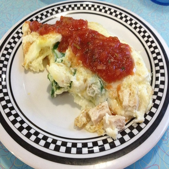 Egg White Omelette (With Spinach & Chicken) @ Local Diner