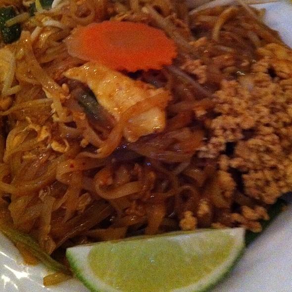 Pad Thai @ Soybean Asian Grill