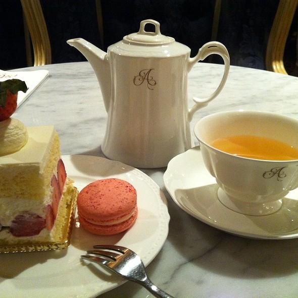strawberry shortcake @ Antoinette, Orchard Road