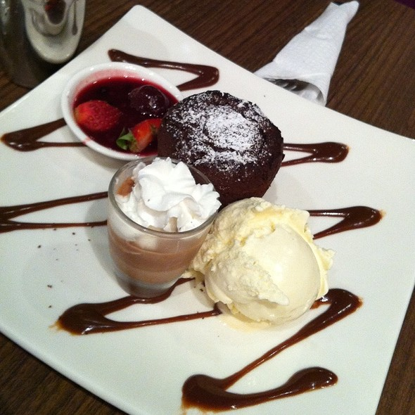 Chocolate Souffle With Ice Cream And Strawberries @ Max Brenner Chocolate Bar (Esplanade)