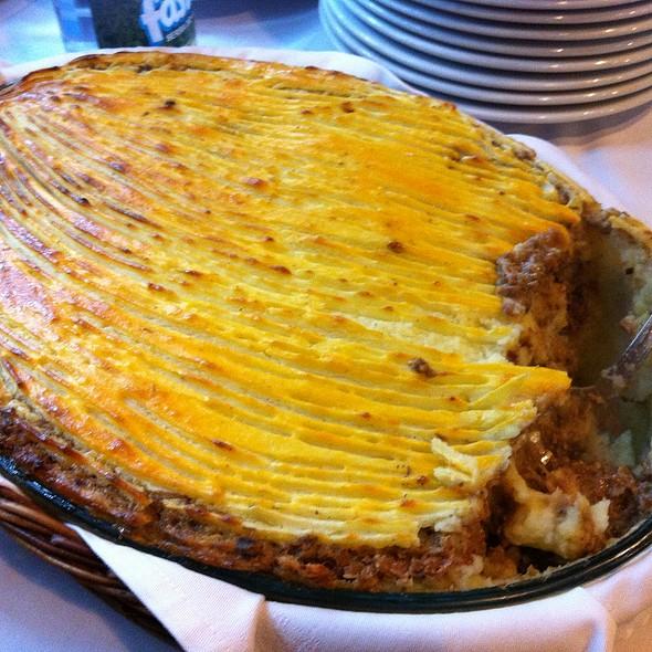 Empadão de carne @ Restaurante A Gôndola