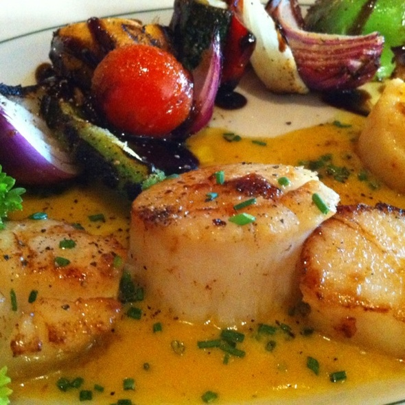 Grilled Scallops - The Grill on Hollywood, Hollywood, CA