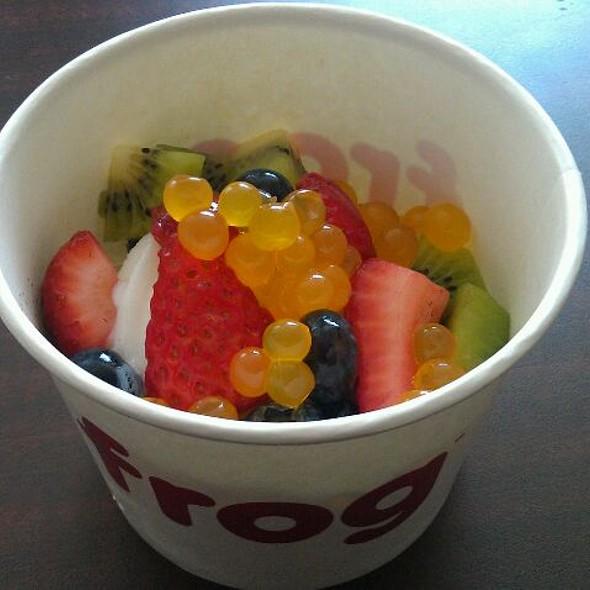 Original Plain Tart with mochi, strawberries, blueberries, kiwi, and mango boba @ Frog Frozen Yogurt Bar