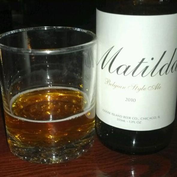 Goose Island 2010 Matilda Belgian Style Ale @ Attebury's Pub & Eatery