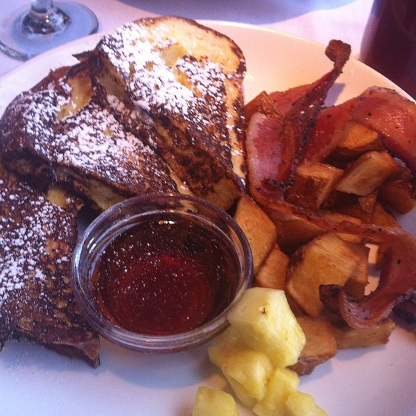 French Toast @ The Avenue Grill